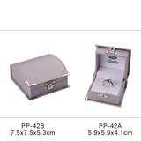 PP-42 Arched plastic bracelet box