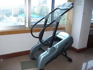 Stair machine fitness equipment