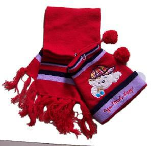Knitted Hat and Scarf (SET-007)