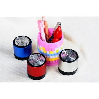 Shenzhen factory direct supply Bluetooth speaker / stereo speaker portable mini speaker fashion sports audio