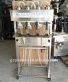 Vacuum liquid filling machine