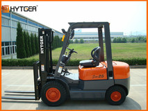 2.5-3.5T Solid Tyre Forklift Truck With Nissan Or Chinese Engine