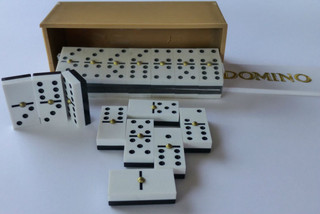 square corner domino game set