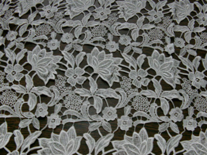 besutiful lotus form water soluble lace