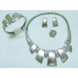Brass main material high end fashion style best price women accessories wholesale jewellery set