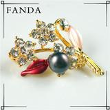 Rhinestone pearl brooch/freshwater pearl brooch wholesale