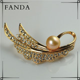 Wedding pearl corsage/Pearl brooch wholesale