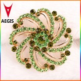 2015 Hot New Design Crystal Brooches for Women