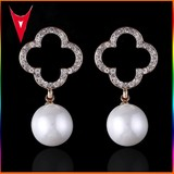 2015 Hot New Design Gold Fashion Pearl Earring