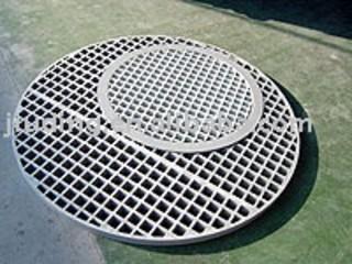 FRP manhole platform grating