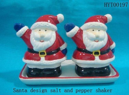 Santa salt and pepper shaker