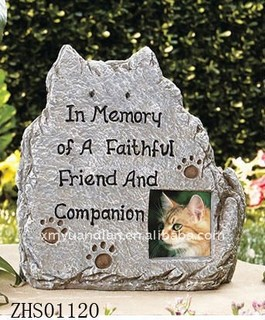 Cats Memorial Markers have space for a photo of a late friend, family member or pet