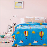 wholesale china cheap printing flannel fleece blanket on sofa stock lot
