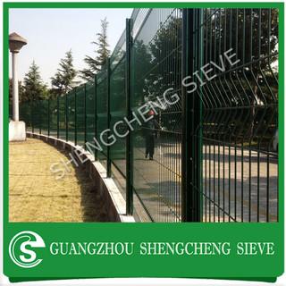 Highway Fence 200 50mm Green Vinyl Coated Triangle Bending