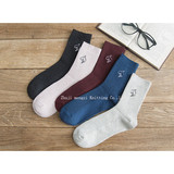 Autumn socks male embroidery dolphin cotton male Korean version of campus wind socks factory direct sales